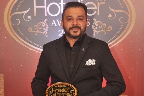 Gaurav Mudgal mints the right money for Fairmont Jaipur at Hotelier India Awards