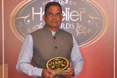 Satyaranjan Bisoi from MAYFAIR Puri recognised as Hotelier India's Unsung Hero of the Year