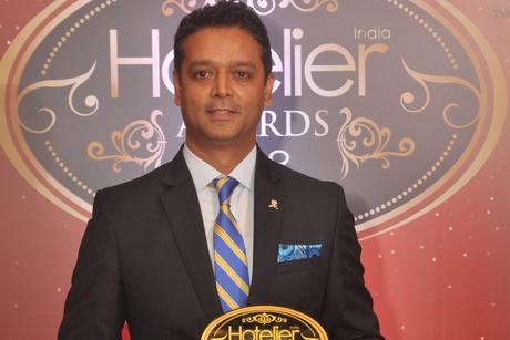 Saurabh Dube, from The St. Regis, Mumbai hits his sales target at Hotelier India Awards 2019