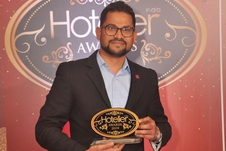 Aloft Bengaluru Cessna Business Park has got Sunil Shetty hitting their sales target at Hotelier India Awards