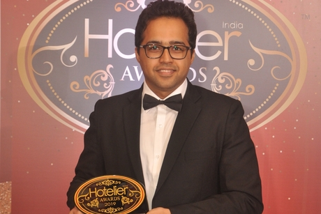 Aakash Bhutani from The Oberoi Hotels & Resorts – Corporate Office hacks his way to winning Hotelier India's IT Person of the Year