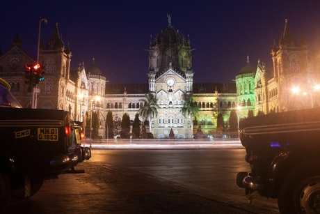 Mumbai 24 Taas policy approved: Maximum city to go on with its unfettered night life