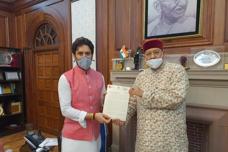Tourism Minister Satpal Maharaj meets Anurag Thakur; submits Rs.1000 cr proposal for Watershed Development Projects