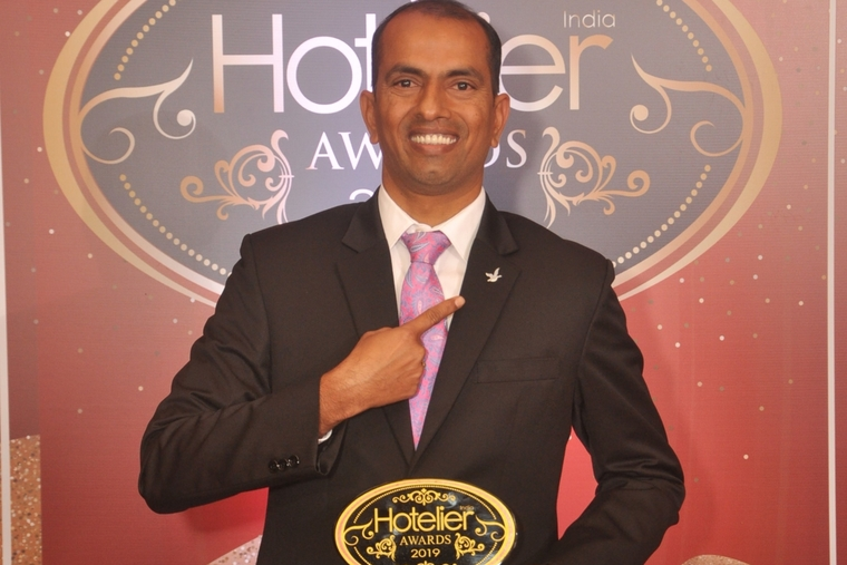 Thirupathi Gasiganti from Novotel & ibis Bengaluru Outer Ring Road getrs recognised with Hotelier India's 'IT Person of the Year'