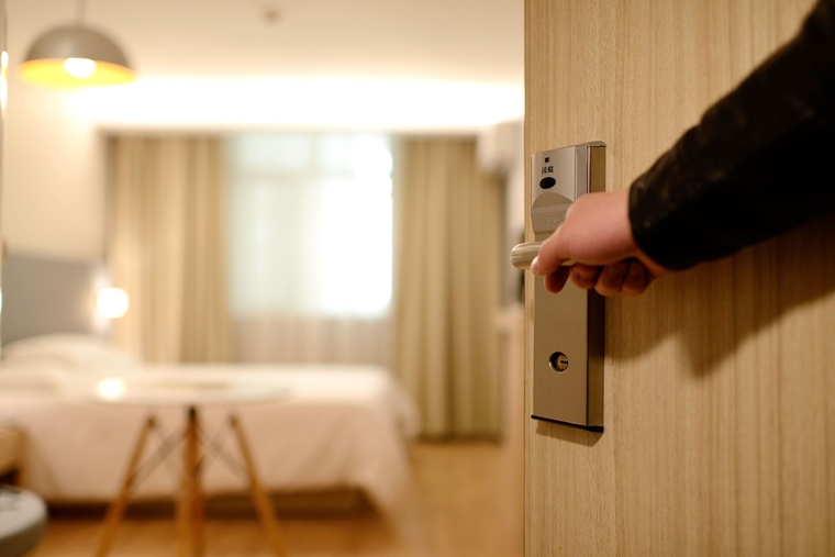 Maharashtra govt allows hotels and lodges to operate at 100% capacity
