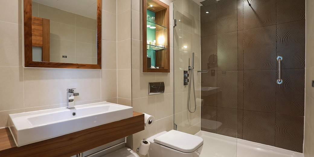 InterContinental Hotels Group (IHG), IHG Hotel, Bathroom amenities, Reduce plastic, Plastic, Reduce waste, Environment, Sustainability, Sustainable hotel bathrooms, Economy, Quality, Guest experience