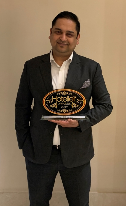 11th edition Hotelier India Awards, Hotelier India, 11th Hotelier India Awards, Hotelier India Awards, Hotelier India Awards 2019, General Manager, General Manager Hospitality, General Manager of 2019, General Manager of the year, Utsav Garg, Red Fox Hotels Delhi Airport