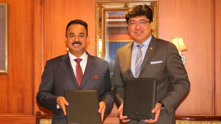 Mr. K. Muraleedharan, Chairman and MD, Muralya Hotels & Resorts Pvt with Mr. Puneet Chhatwal, Managing Director and Chief Executive Officer, IHCL (left to right)