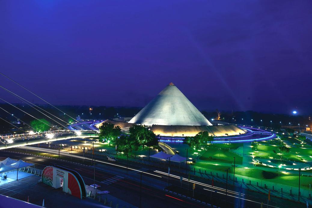The Leela Gandhinagar, Gujarat, Gandhinagar railway station