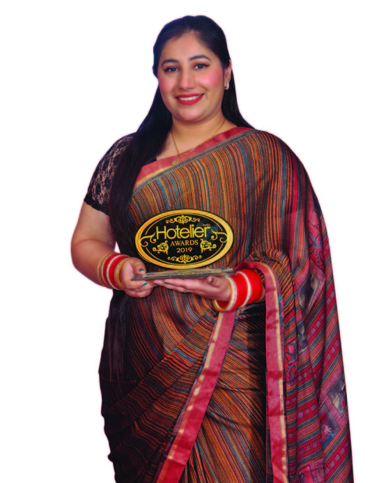 11th edition Hotelier India Awards, 11th Hotelier India Awards, Hotelier India, Hotelier India Awards, Hotelier India Awards 2019, Marketing Person of the Year, Rupinder Kaur, JW Marriott New Delhi Aerocity, Marketing person of 2019, Hotelier Awards