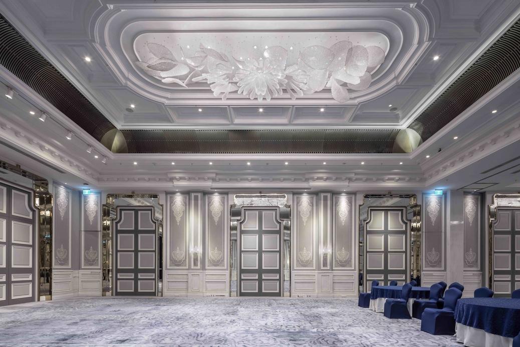 Sans Souci, The Ritz Carlton Pune, Bespoke lighting, Lighting fixtures